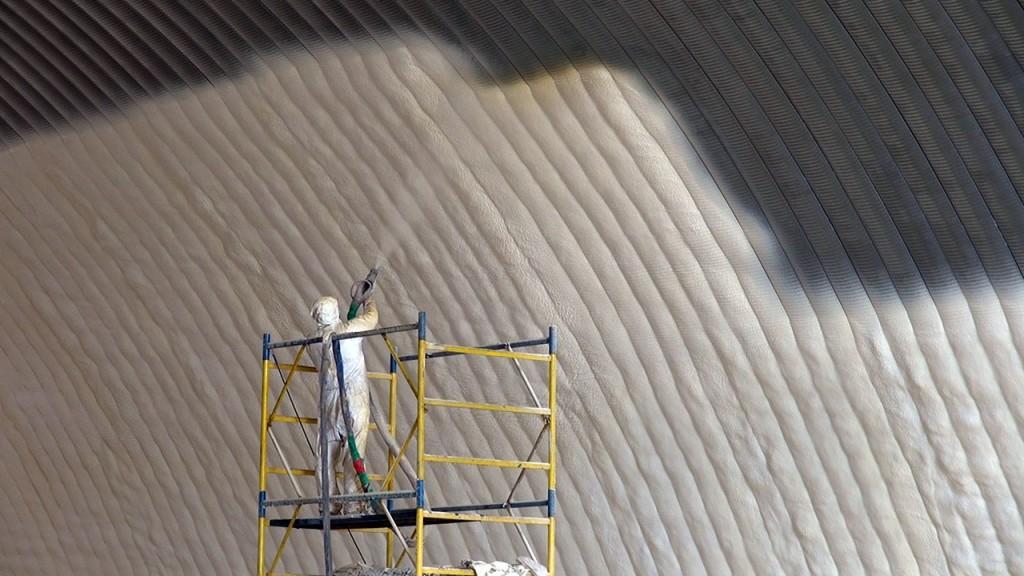 Теплоизоляцию как бетонной крепить стене к